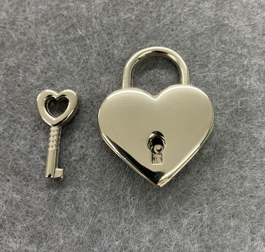 ENGRAVED PERSONALISED HEART LOVE LOCK 30MM X 38MM WITH KEY SILVER IN ORGANZA BAG