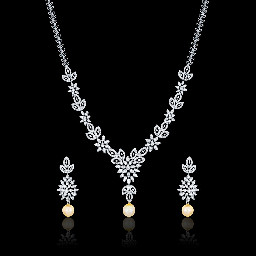 ENCHANTING NECKLACE SET
