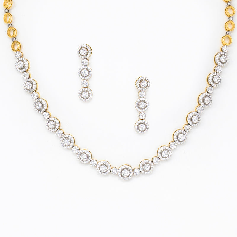 Halo design necklace set
