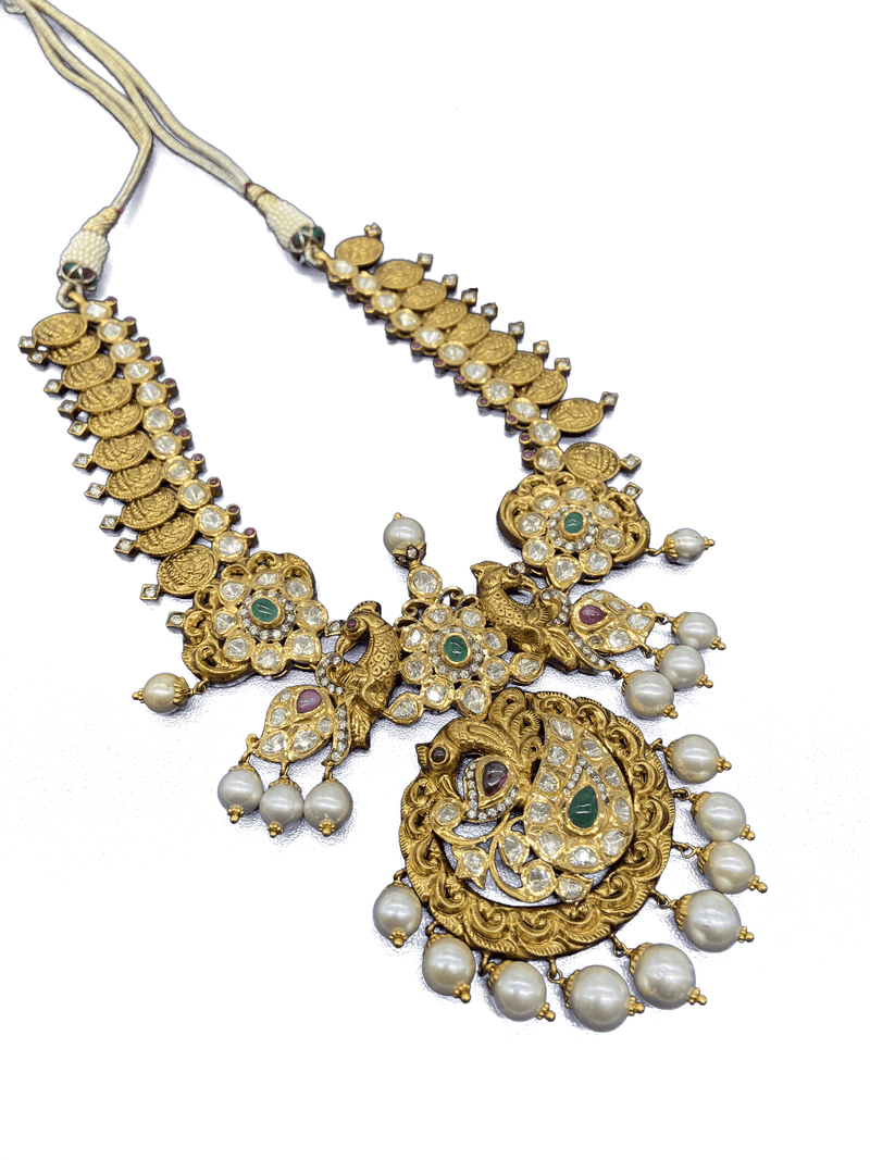 Eminent Necklace Set
