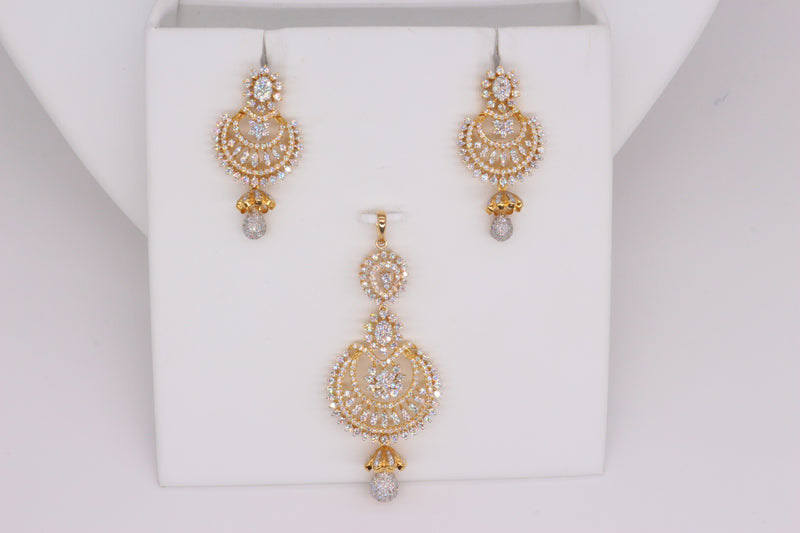 Stunning Diamond Pendant Set