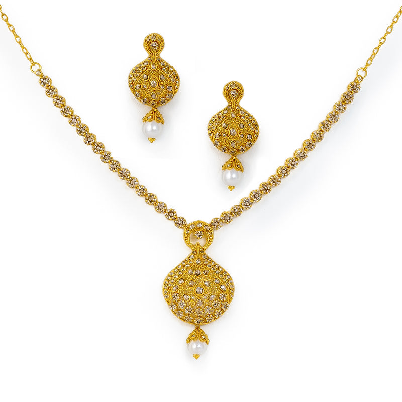Necklace set with pearl drops
