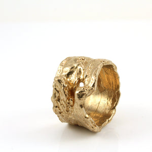Wide wood bark texture ring in bronze metal