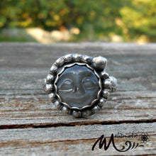 Load image into Gallery viewer, Gray Moonstone and Sterling Ring. Moon face Ring.  Ring Size 7.5