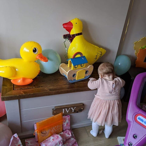 TOY BOX - DOVE COTTAGE
