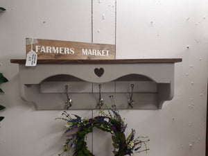 BARNHOUSE COAT HOOK & SHELF