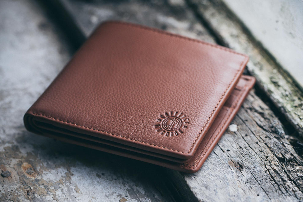 Wallet. Tan Leather.
