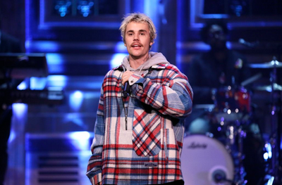 Justin Bieber surprises fan at MTV's Fresh Out Live