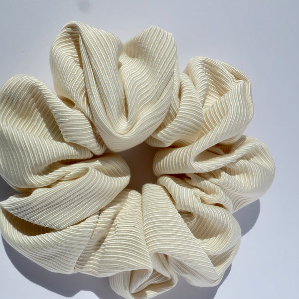 Silk Textured Scrunchie Classic - Ivory