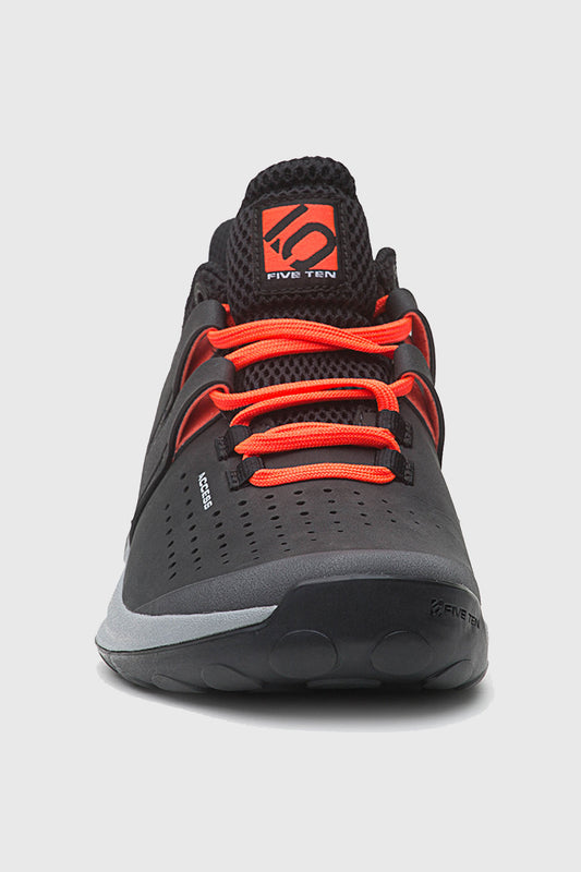 Access Shoe Carbon front