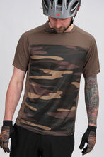 Load image into Gallery viewer, Dakine Charger SS Jersey Field Camo