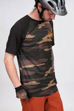 Load image into Gallery viewer, Dakine Dropout Short Sleeve Field Camo