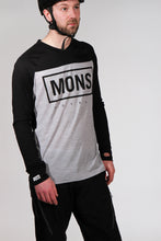 Load image into Gallery viewer, Mons Royale Redwood V Long Sleeve Jersey BlackMarl