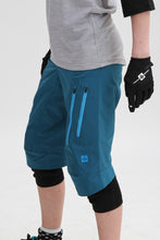 Load image into Gallery viewer, Sweet Protection Womens Hunter Shorts Frost