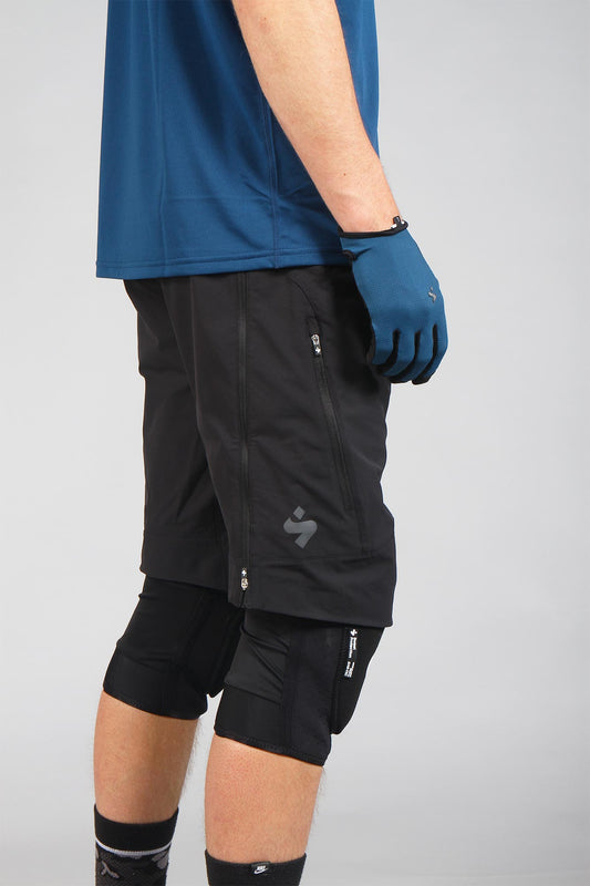 Sweet Protection Hunter Shorts Black
