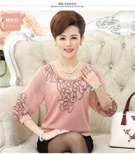 Load image into Gallery viewer, Women's Spring Chiffon Sleeve Shirt Older Women Half Sleeve Flower Print Knitwear Tops Plus Size Mother Pullover Sweater W1172