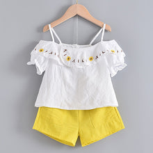 Load image into Gallery viewer, Bear Leader 2020 New Summer Casual Children Sets Flowers Blue T-shirt+  Pants Girls Clothing Sets Kids Summer Suit For 3-7 Years