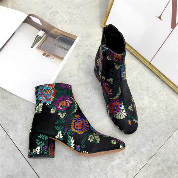 Fashion Ethnic Style Embroidery Flower Women's Boots