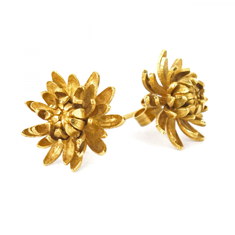 Chrysanthemum flower stud earrings