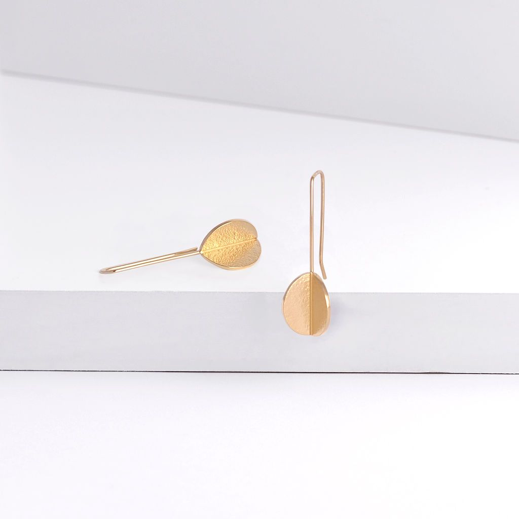 Folded form earrings, gold
