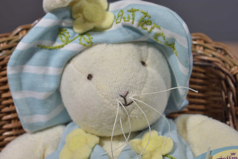 Hallmark Bunnies by the Bay Buttercup 2002 Beanbag Plush