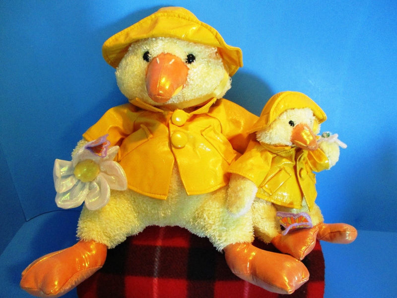 Commonwealth 2 Yellow Ducks In Yellow Raincoats 2002 Plush