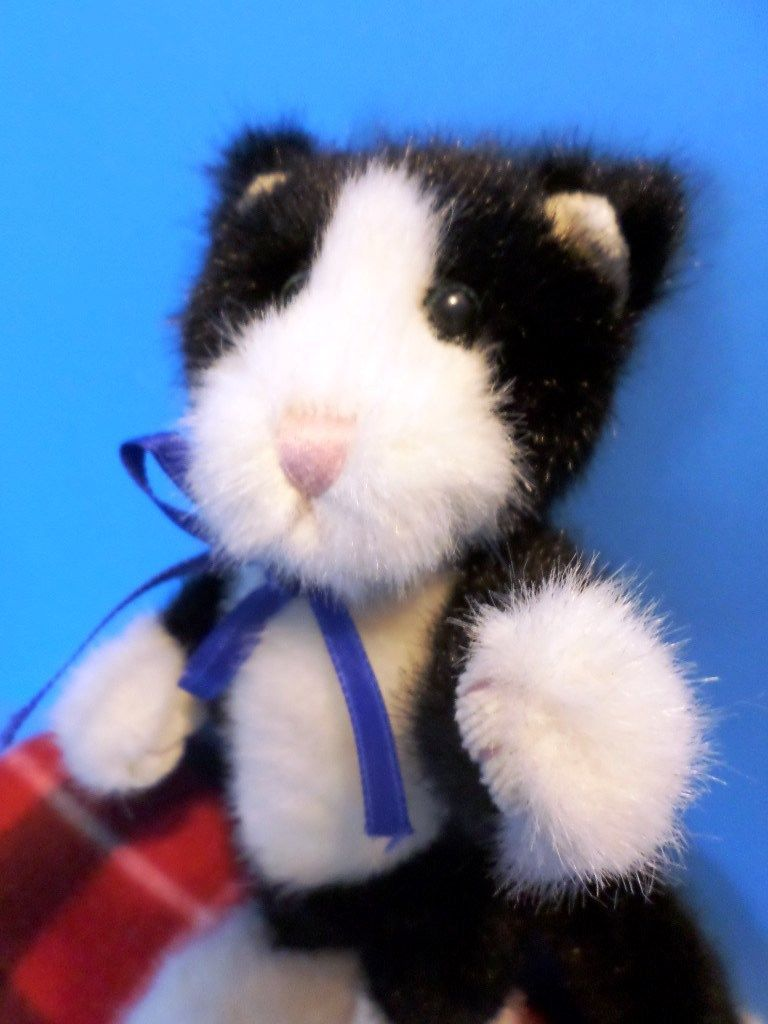 Boyd's Bears Milton R Penworthy Black and White Cat with Blue Bow 1999 Plush
