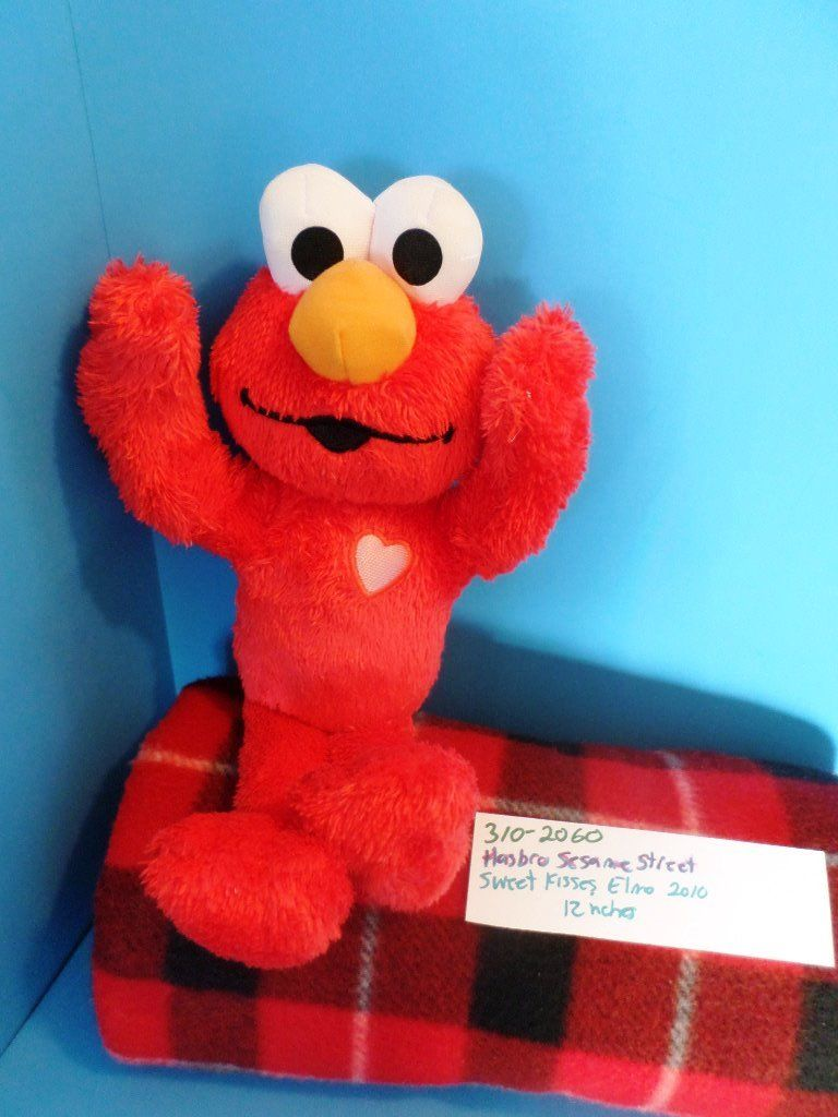 Hasbro Sesame Street Sweet Kisses Elmo 2010 Plush