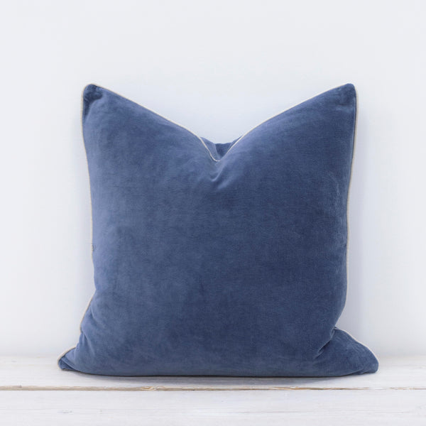 Unari Fjord Velvet Cushion