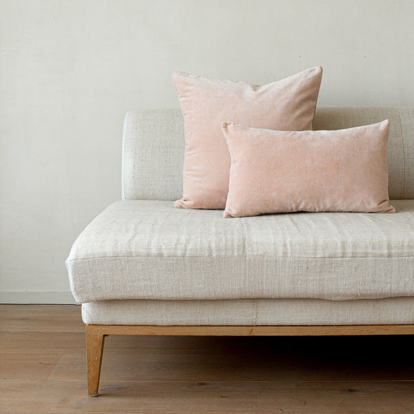 Unari Shell Velvet Cushion
