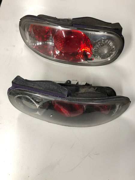 1990-2005 Mazda Miata Tail Light