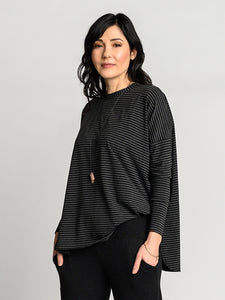 Black and heather grey Zen Top with a deep vent side seem and high scoop neckline.