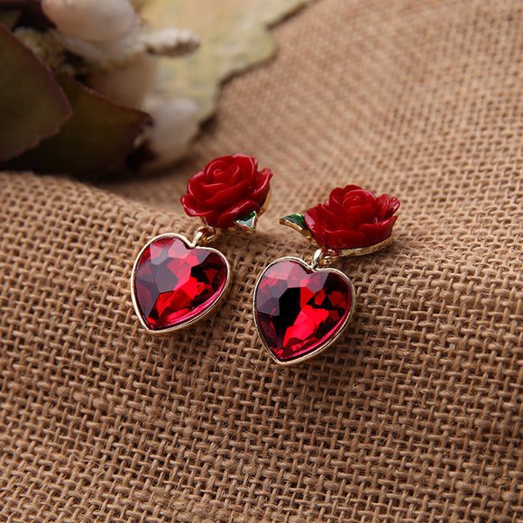 1 Pair Fashion Alloy Resin Flower Love-shaped Artificial Gemstone Pendant Women's Stud Earrings