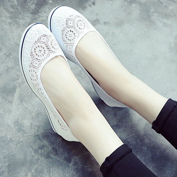 Women's Minimalist White Sloping Flats  Breathable Shoes