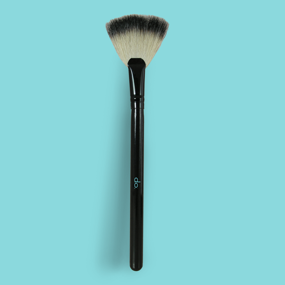 do. Deluxe Badger Fan Brush