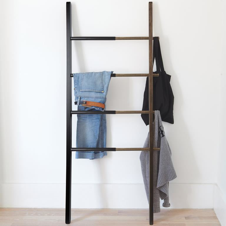 Hangladder Hub | zwart & walnoot | Umbra
