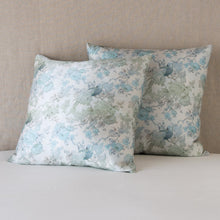 Load image into Gallery viewer, Rosalina Throw Pillow - Maisonette Shop