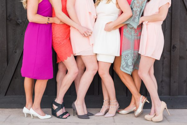 7 Simple Stand Out Outfit Style for Your Bridal Party