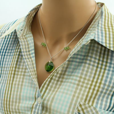 Faceted Leaf Necklace - Trendy - Leaf Necklace - Fern Green