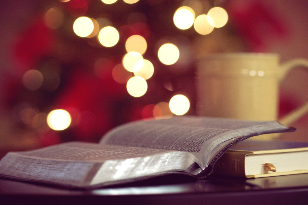 13 Heartwarming Christmas Quotes & Poems to Make Your Spirits Bright