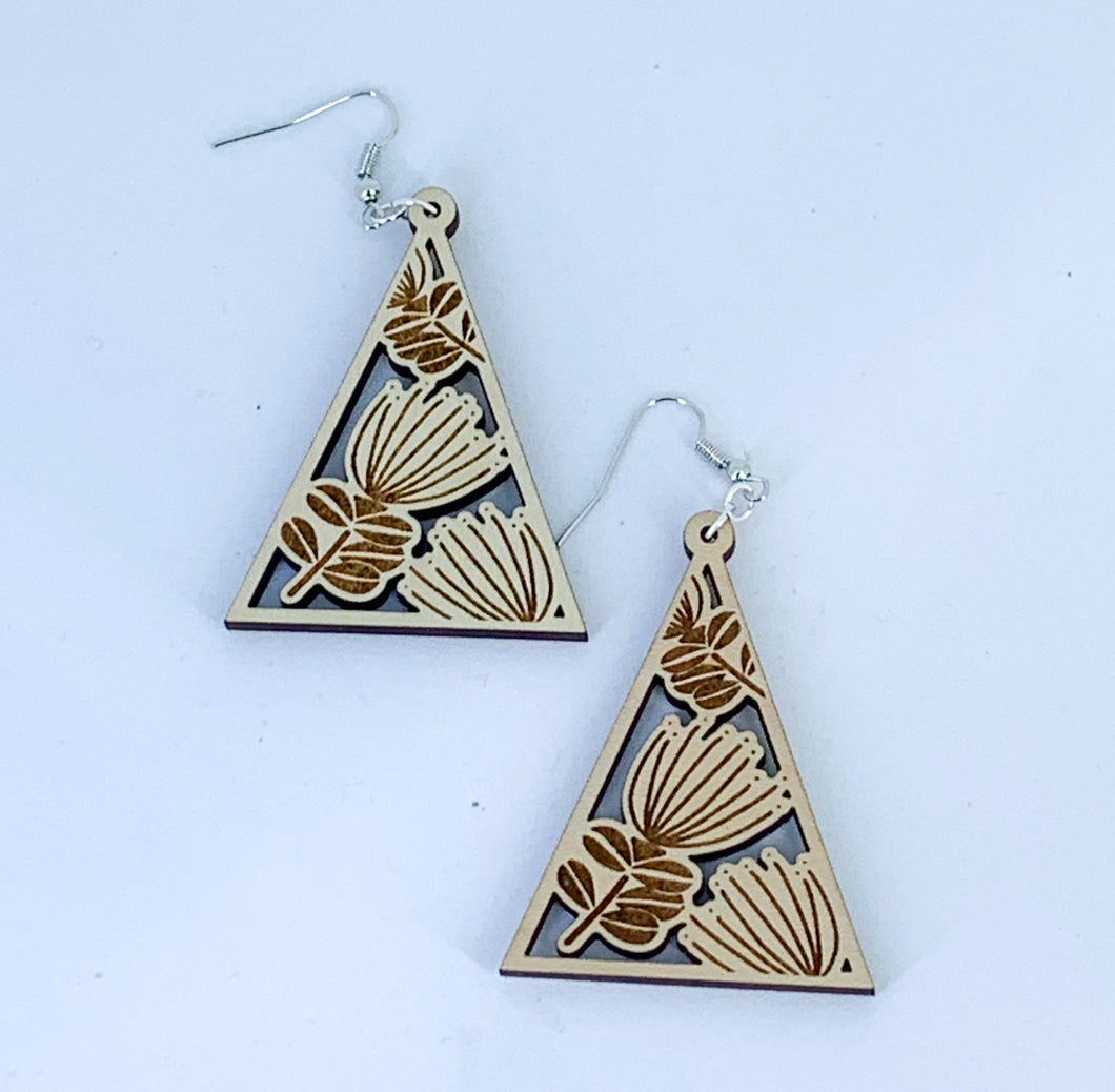 Lehua Engraved Earrings