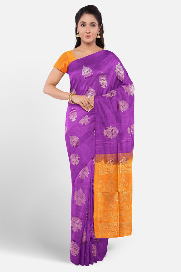 Border less soft silk saree with contrast border and pallu
