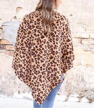 Load image into Gallery viewer, Leopard Faux Fur Poncho