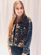 Load image into Gallery viewer, Cropped leopard denim jacket