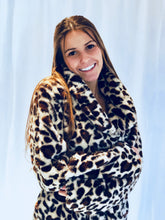 Load image into Gallery viewer, Cream oversized leopard jacket