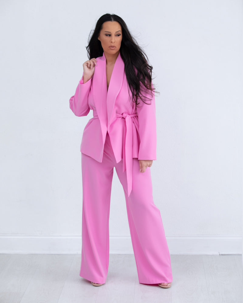 Patronne (Boss Lady) Suit