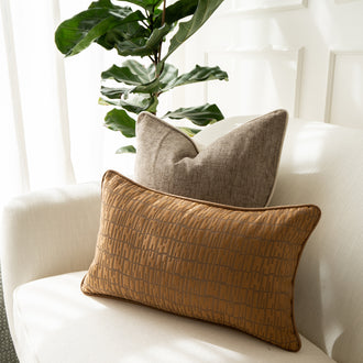 Load image into Gallery viewer, LUCIA LAURENT Decorative Kidney Pillow