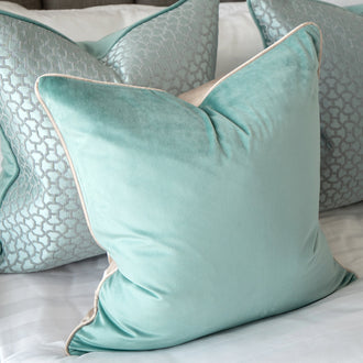 Load image into Gallery viewer, MACY CANOVA Decorative Pillow