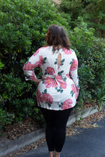 3/4 Sleeve Floral Print Tops with Peek-a-boo Knotted Back Detail