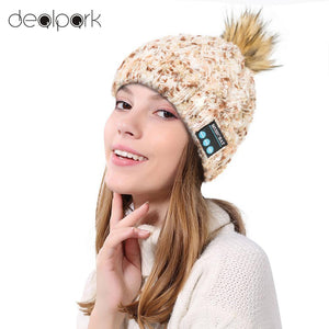Wireless Bluetooth Caps Women Warm Knitted Beanie Pompon Hat Built-in Stereo Earphone Microphone Listen Music for Outdoor Sports